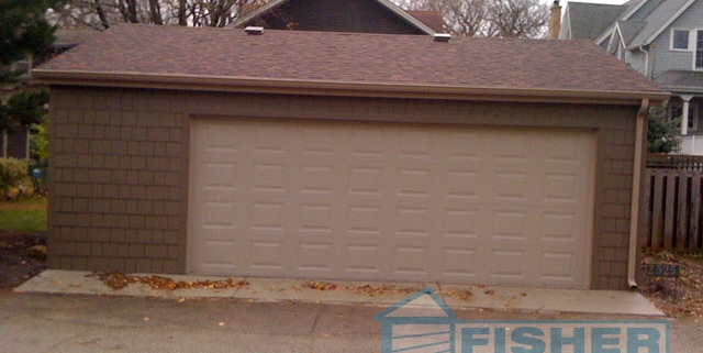 2.5 Car Garage with Reverse Gable Roof by Fisher Garages